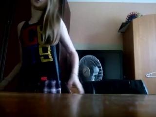 Заставил сосать 12-летнюю (минет сосет секс порно малолетка школьница сперма анал в рот цп секс cp смотреть без цензуры...