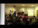 День учителя-выступление 8 класса