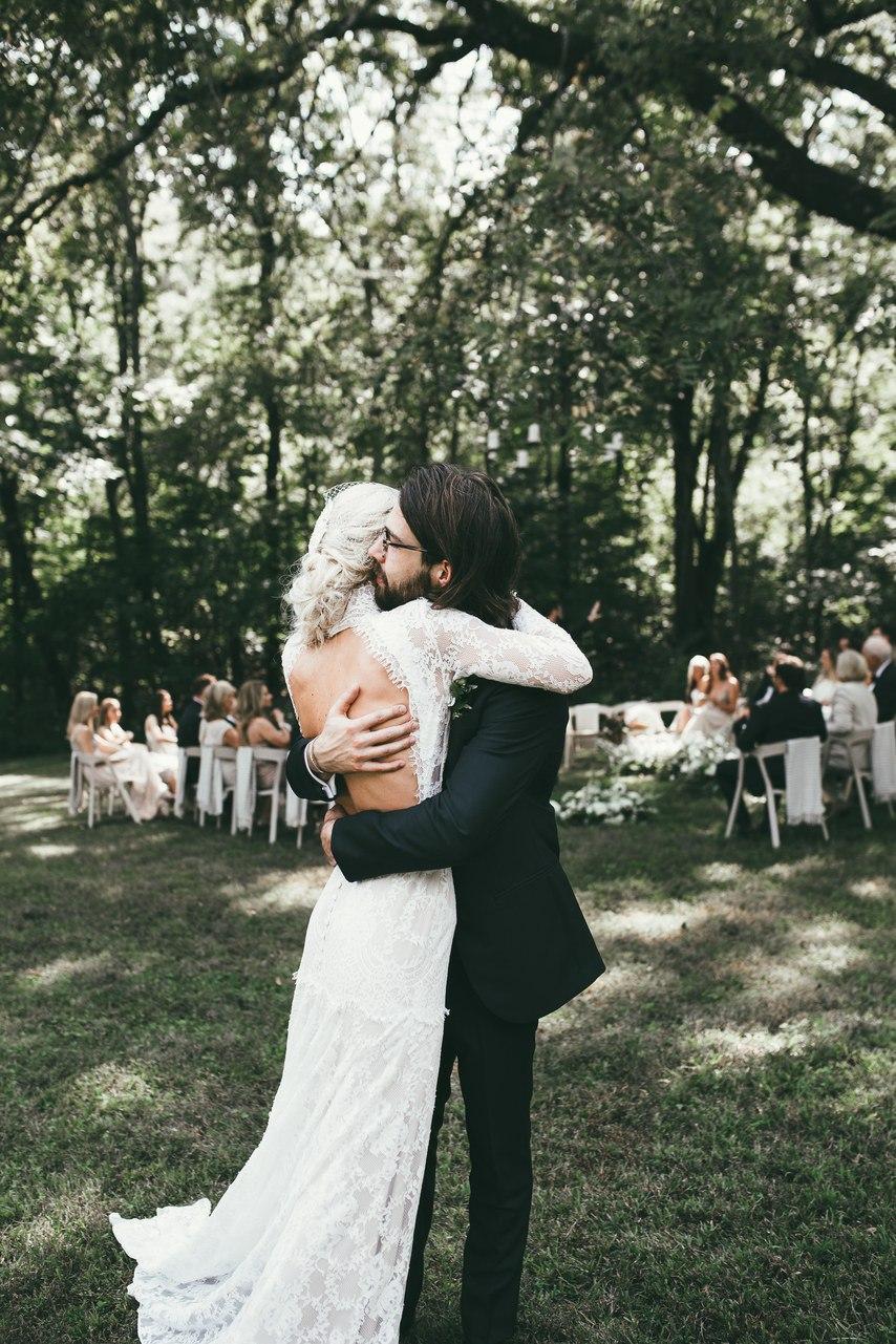 wrz2TaJIfaI - Необычно: Стеклянные банки как элементы свадебного декора