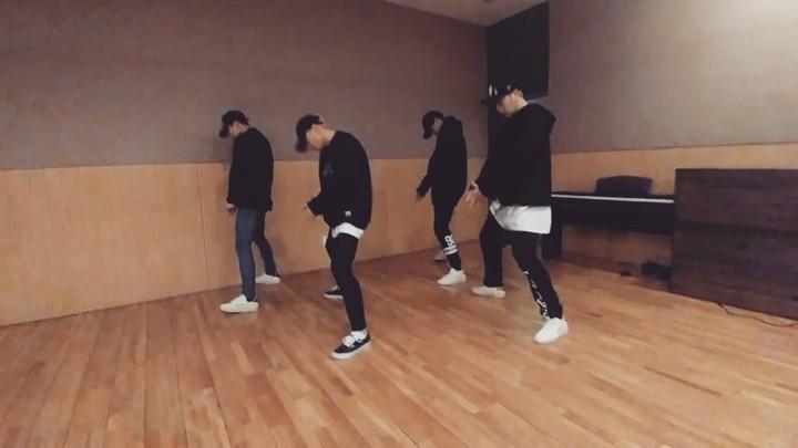 """김동혁 on Instagram: """"Feel that - Vic mensa choreography @ian_eastwood 추억"""""""