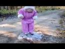 Смешные дети ребёнок увидел 1 раз замёрзшую лужу mp4