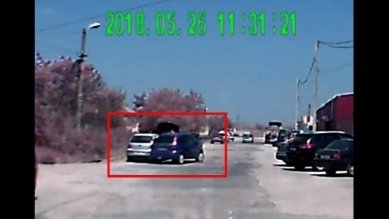 Авария на парковке в Керчи врезался и уехал