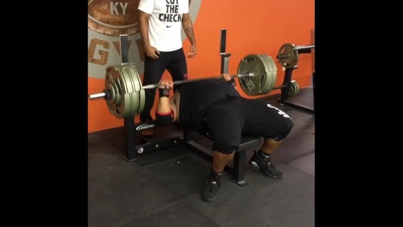 Джулиус Мэддокс (США), жим лёжа с паузой - 238 кг на 10 раз 💪