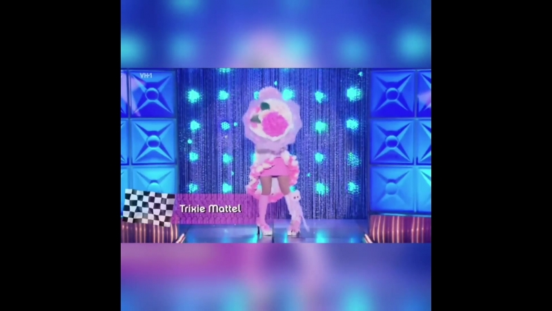 Trixie mattel ft aja - linda evangelista