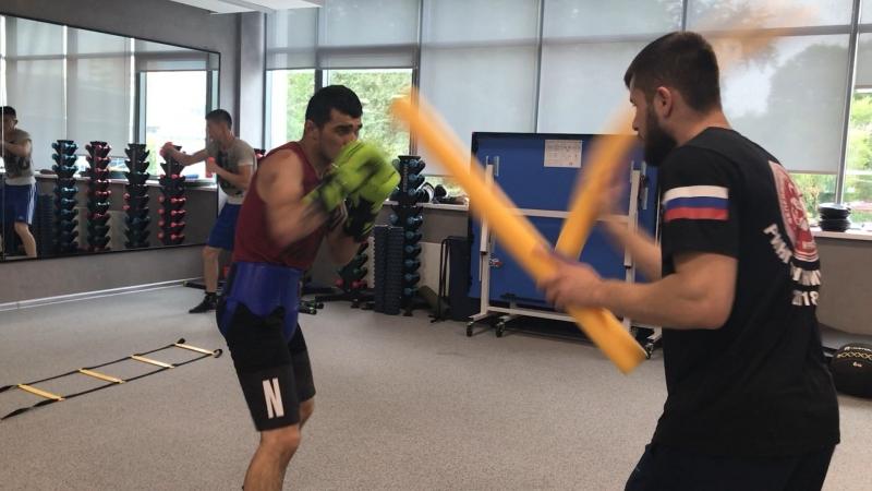 Шавкат Рахимов готовится к защите титула IBO World