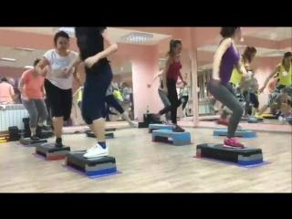 степ аэробика фитнес клуб LEMON