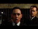 Джон Коффи заражает Перси болезнями.Эпизод фильма «Зелёная миля» (The Green Mile)