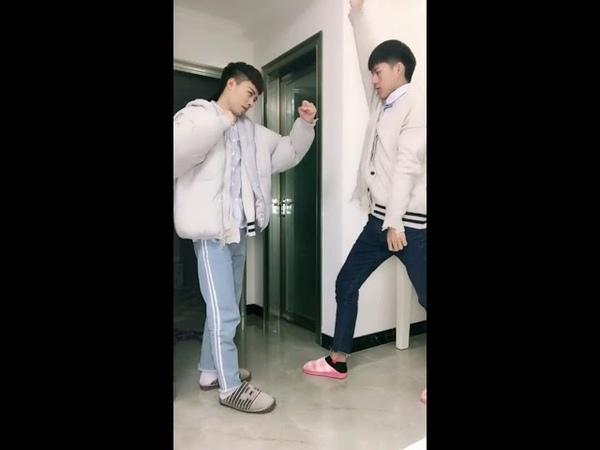 【【Tik Tok China】】【抖音】【腐向福利】第三期 论姑娘你肤白貌美腿长为什么