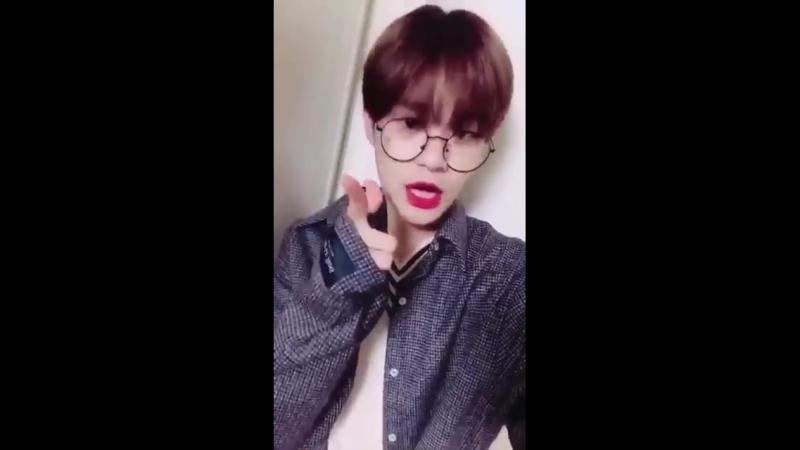 180303 @ Wanna One's Fancafe Update