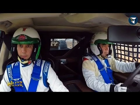Президент Туркменистана опробовал свой новый гоночный автомобиль