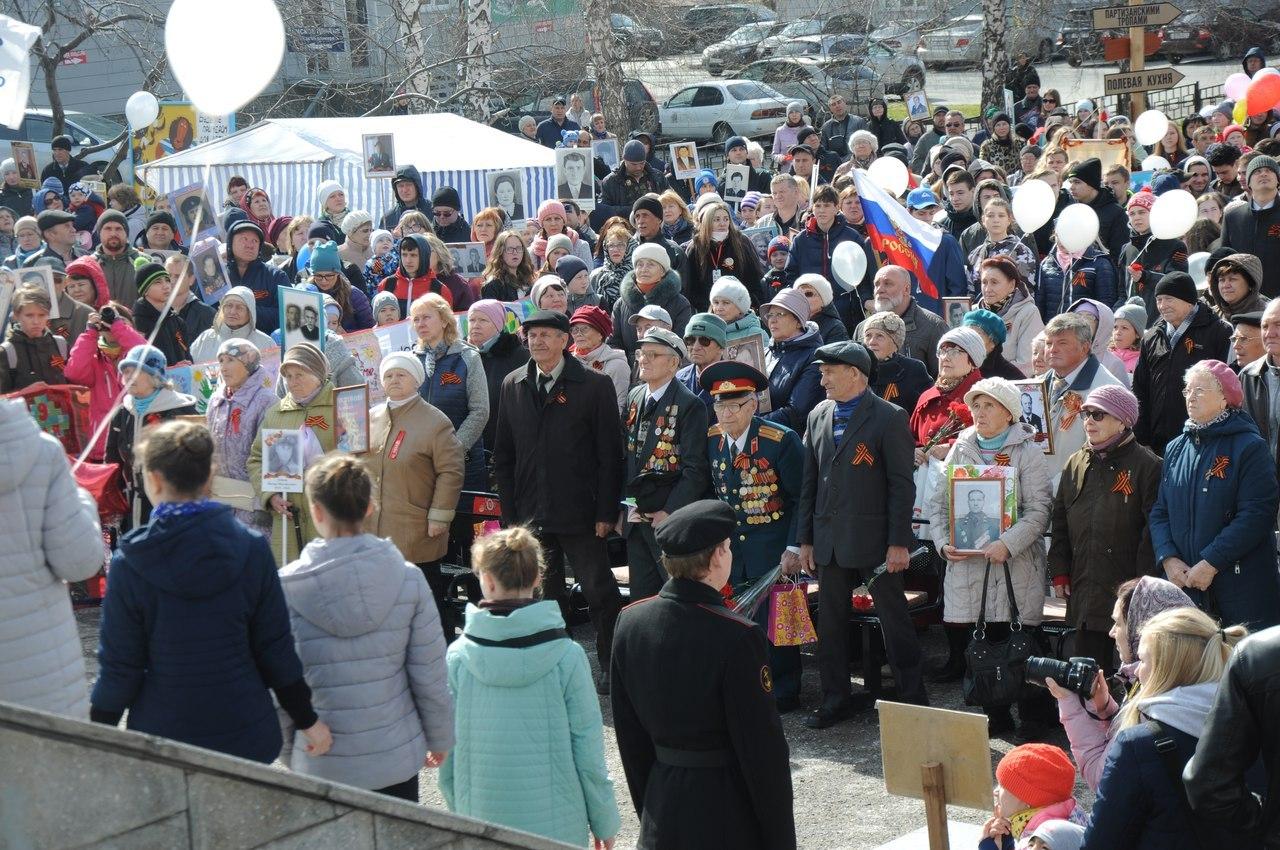 Ожившие герои: «Бессмертный полк» на ОбьГЭСе сплотил 3000 человек
