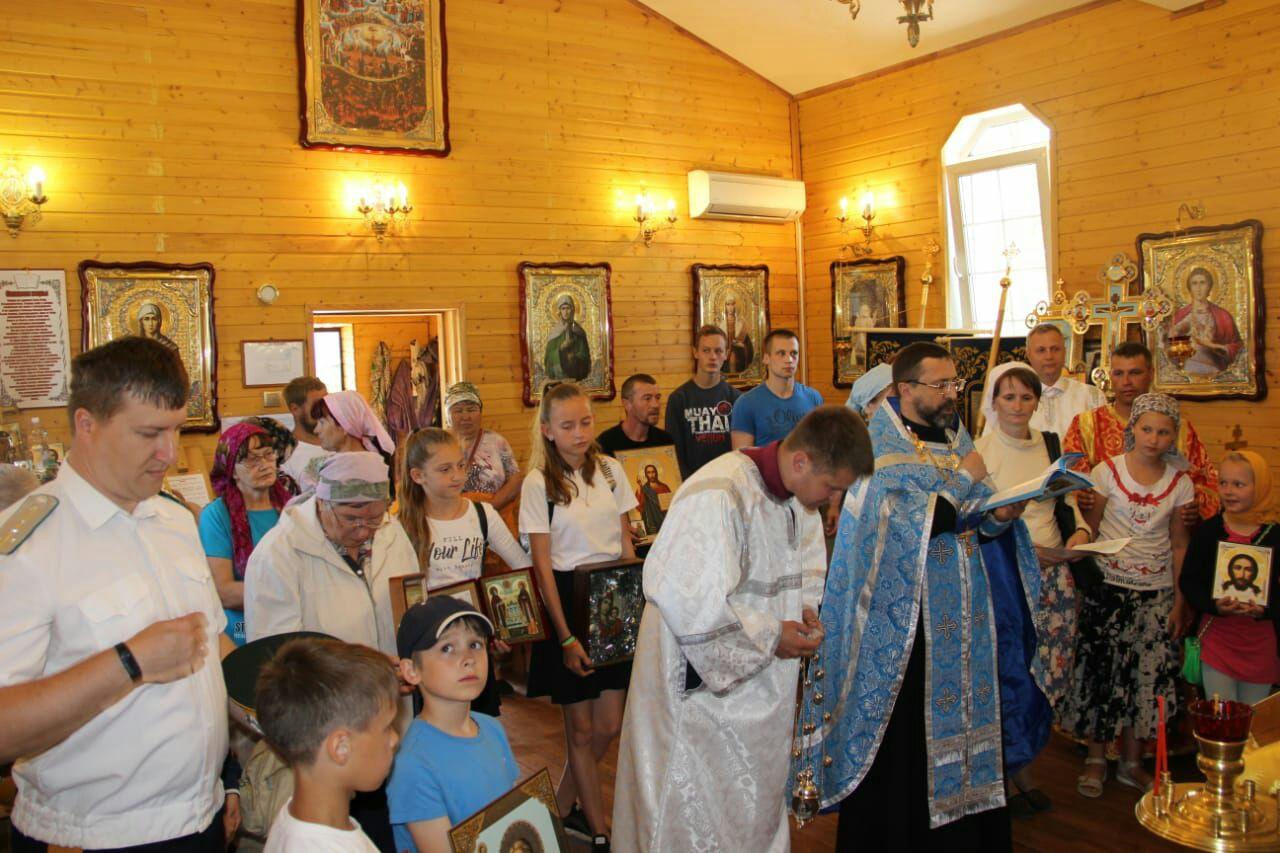 Крестный ход с Албазинской иконой Божией Матери в поселке Приамурский