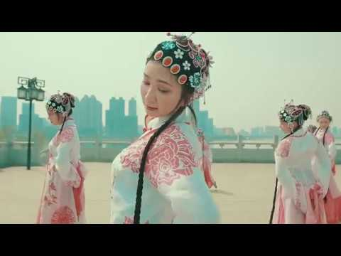 Graceful Chinese Dance 31 Li Hua Song《梨花颂》李玉刚 霍尊