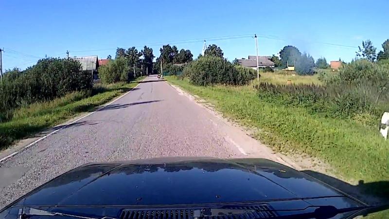 Десиптикон вселившийся в велосипед с мальчиком протаранил Volvo.
