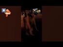 Абсолютно голая пара неспешно прогулялась по людным улицам в Самаре