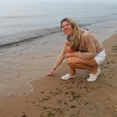 Нина Романова