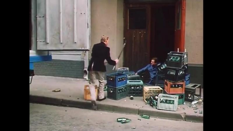 Клирики Георгиевского храма ВП и ВШ обходят после литургии магазины(в представлении местного