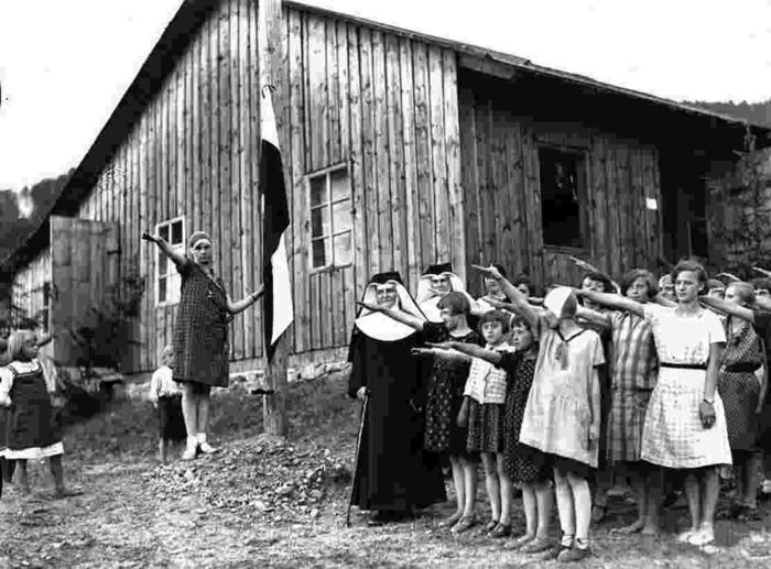 Католический детский лагерь, окрестности Львива, Полска, 1933 год