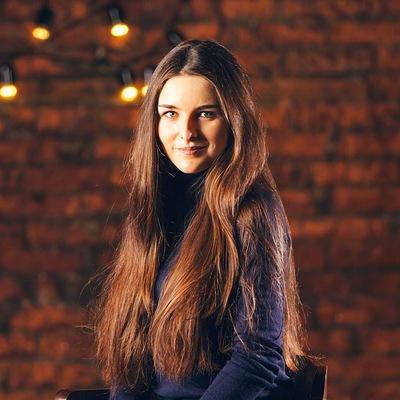 Анна Амошулуй