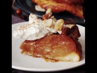Простой рецепт пирога из запечённых яблок с вином