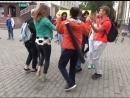 Улан удэнцы станцевали ёхор на улицах города