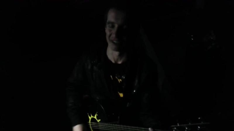 Элита- половинка группы Танцы минус и просто такая сильная любовь группы Звери cover version. acoustic guitar Plays and sin