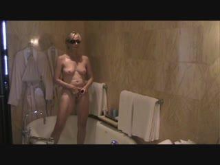 German Celebrity Model at Hotel in leaked stolen video!