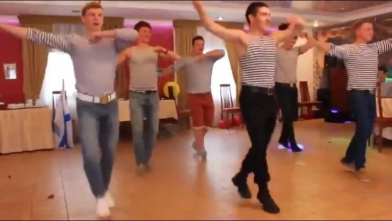 Танец на русской свадьбе
