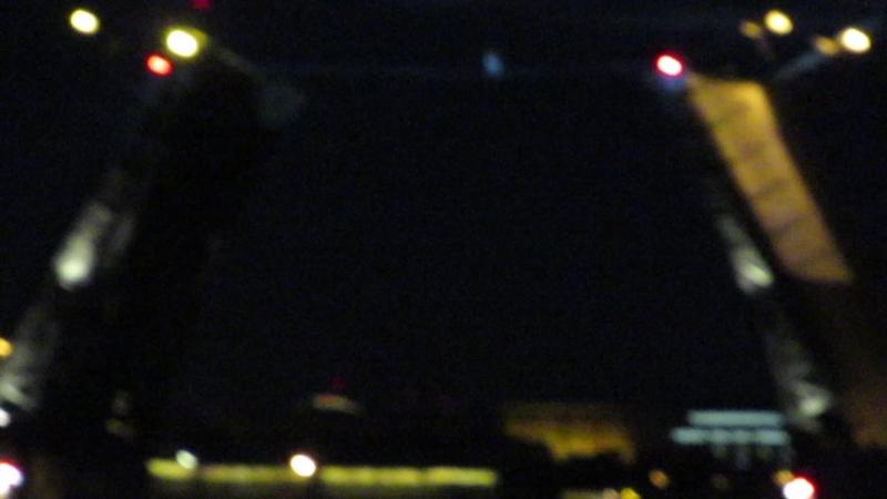 27.05.2018 Канатоходец над Дворцовым мостом. За качество извините