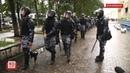 ОМОН заблокировал сторонников Навального в центре Екатеринбурга Задержания