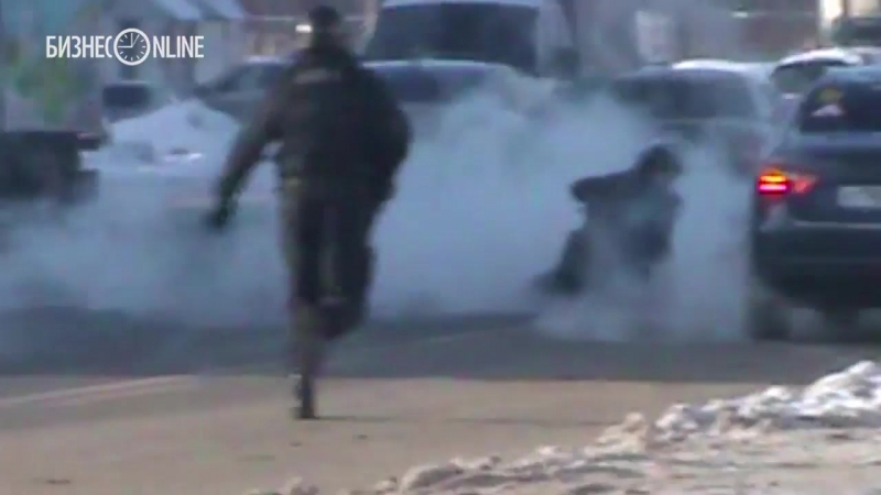 «Блокбастер» на Горьковском шоссе: появилось видео задержания саратовского рэкетира