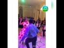 Тойдағы ерсі биімен жаға ұстатқан жұп көпшіліктің талқысына түсті видео