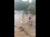 Решили искупаться в речке первый раз в за 3 года на севере в Видяево