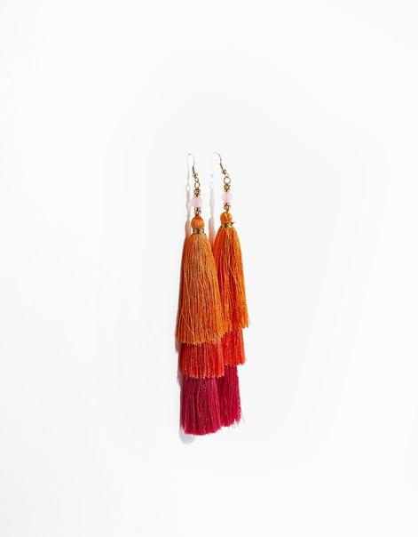 Серьги с разноцветными помпонами