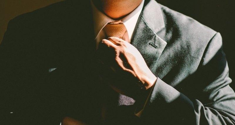 Медики предупредили о вреде галстуков