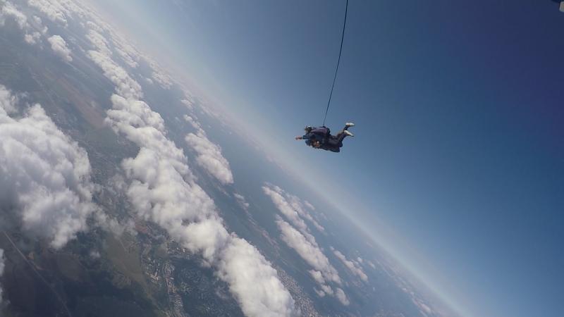 Долгожданный прыжок с высоты 4000м.