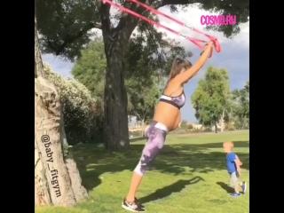 Очень спортивная мамочка