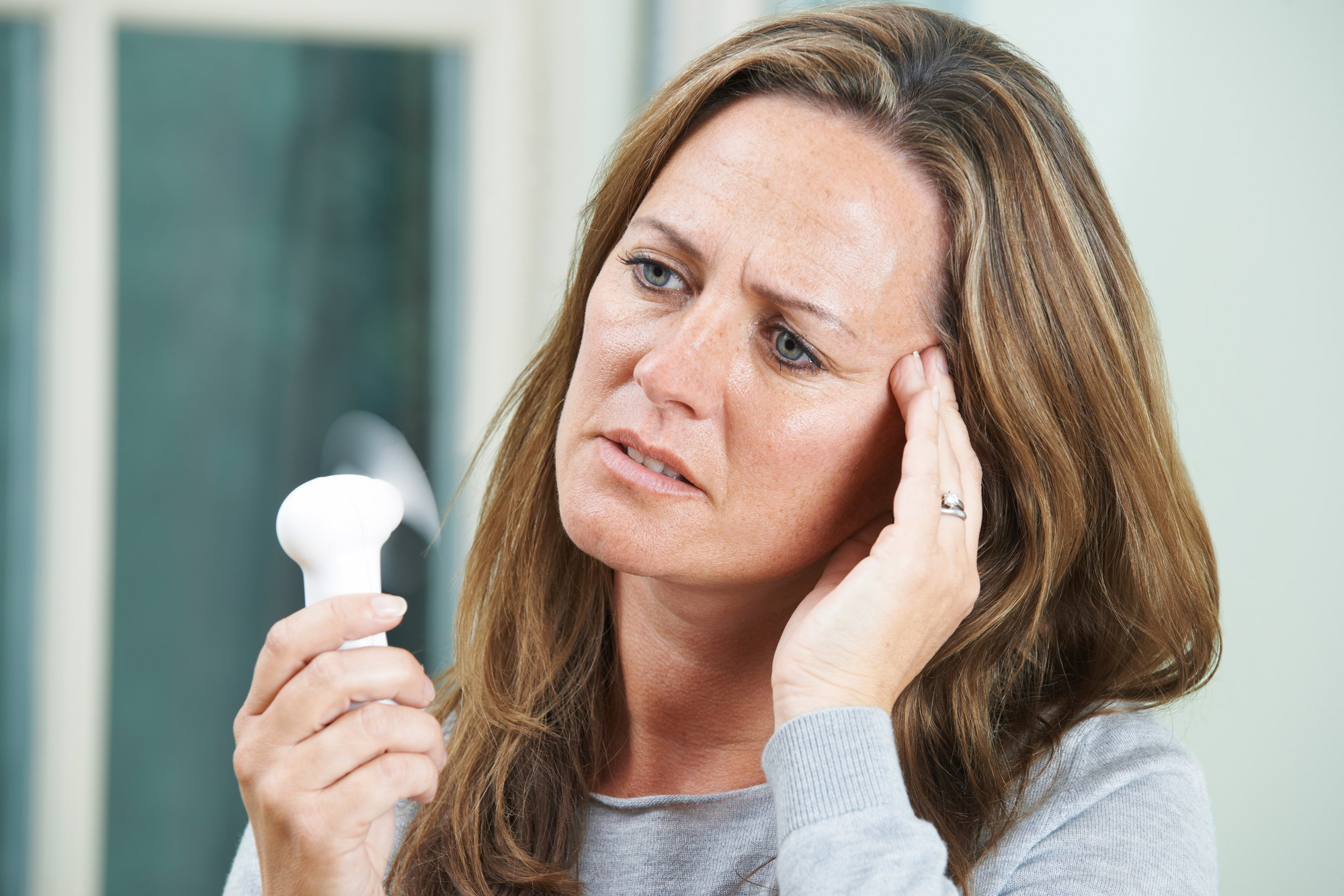 Причины ночных потов и головной боли
