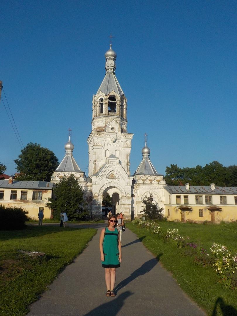 По Новгороду вечером. Десятинный монастырь. И немножко исторического центра великого русского города