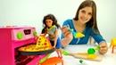 Видео с куклами - Особая пицца для Терезы! - Игры для девочек.