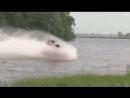 На мотоцикле через водоём