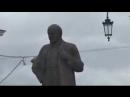 001_Певец ПРОРОК САН БОЙ у памятника яврею БЛАНКУ НА николаевском вокзале в москве