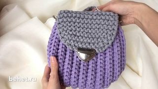 Видео обзор сумки-ракушки с клапаном из трикотажной пряжи.