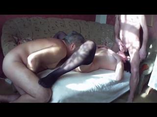 порно муж сдругом трахает жену