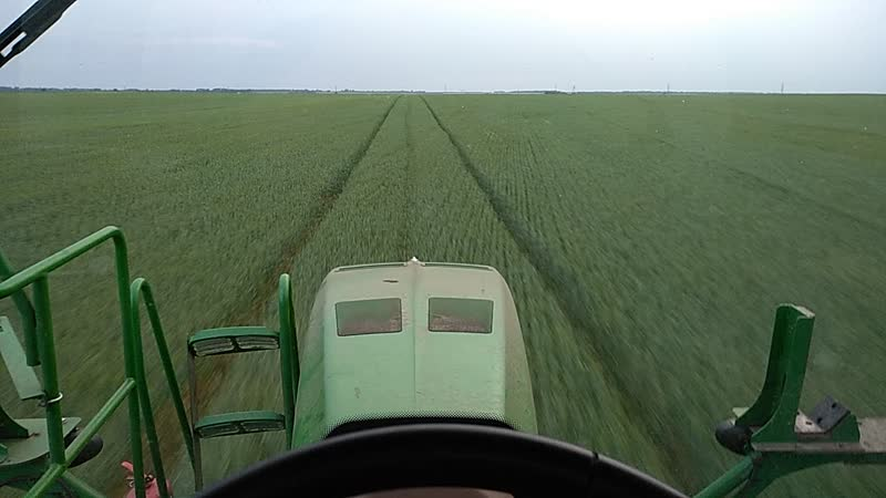 John Deere 4930 self propeled sprayer . Фунгициды по пшенице