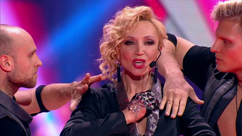 Кристина Орбакайте Перчатки Звезды Русского радио 2017