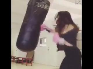 This girl hits hard !Female Golovkin... - World Boxing Source