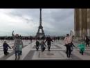 Танцуем у Эйфелевой башни