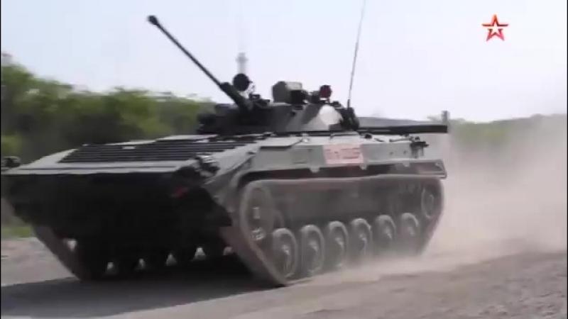 Кадры состязаний боевых машин ВДВ в Краснодарском крае