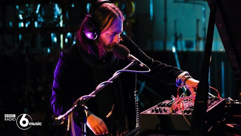 Thom Yorke - Unmade (Live for BBC Radio 6 Music)